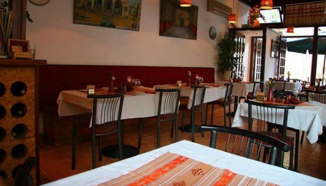Meze Taverna Restaurant Cover Image on XploreCyprus